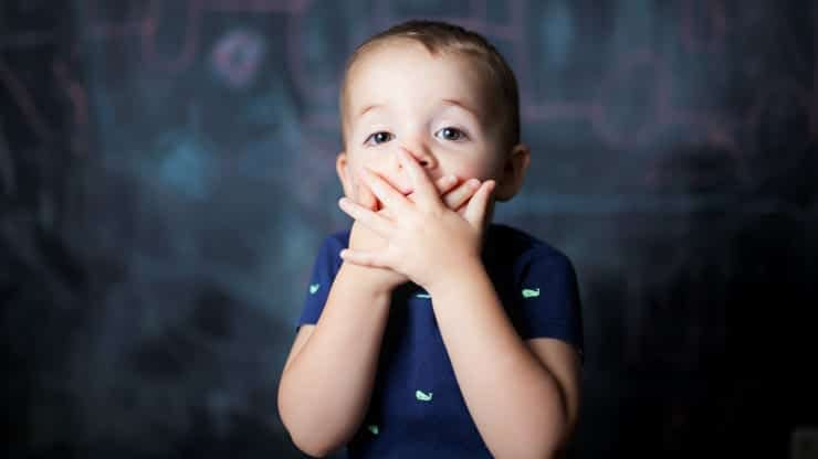 一位心理治療師說,養育自信、精神強大的孩子的父母在表揚孩子時總是會做這三件事